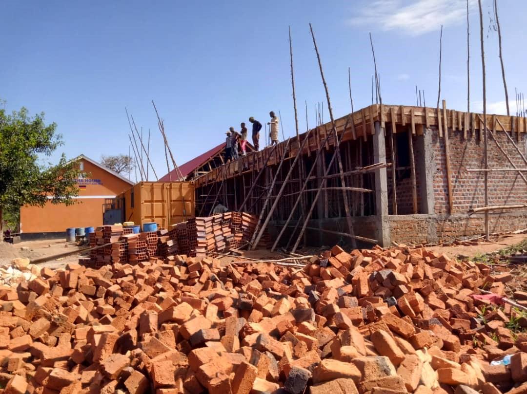 19 - Bauarbeiten Schule AIC & Friends.jpg