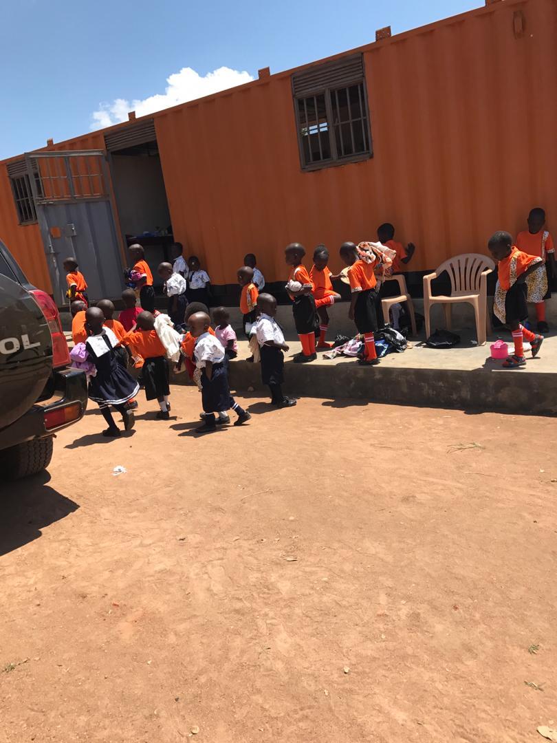 04 - AIC bauet Schule in Uganda.JPG