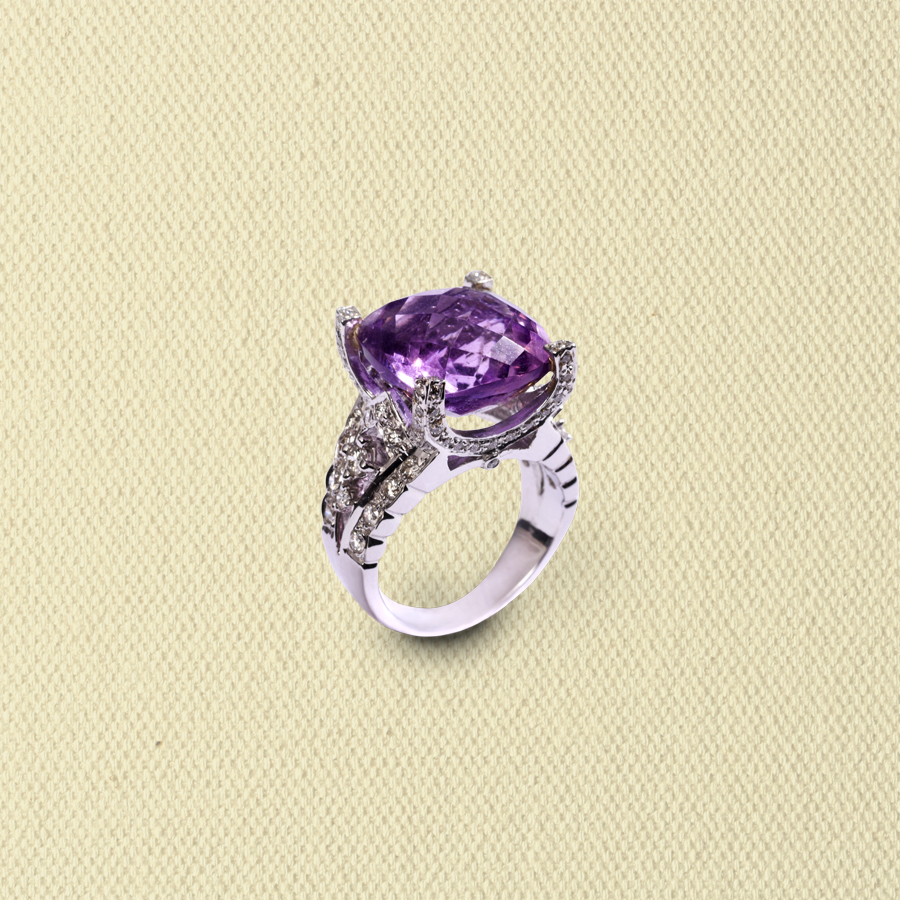 AMETHYST & DIAMOND CROWN RING