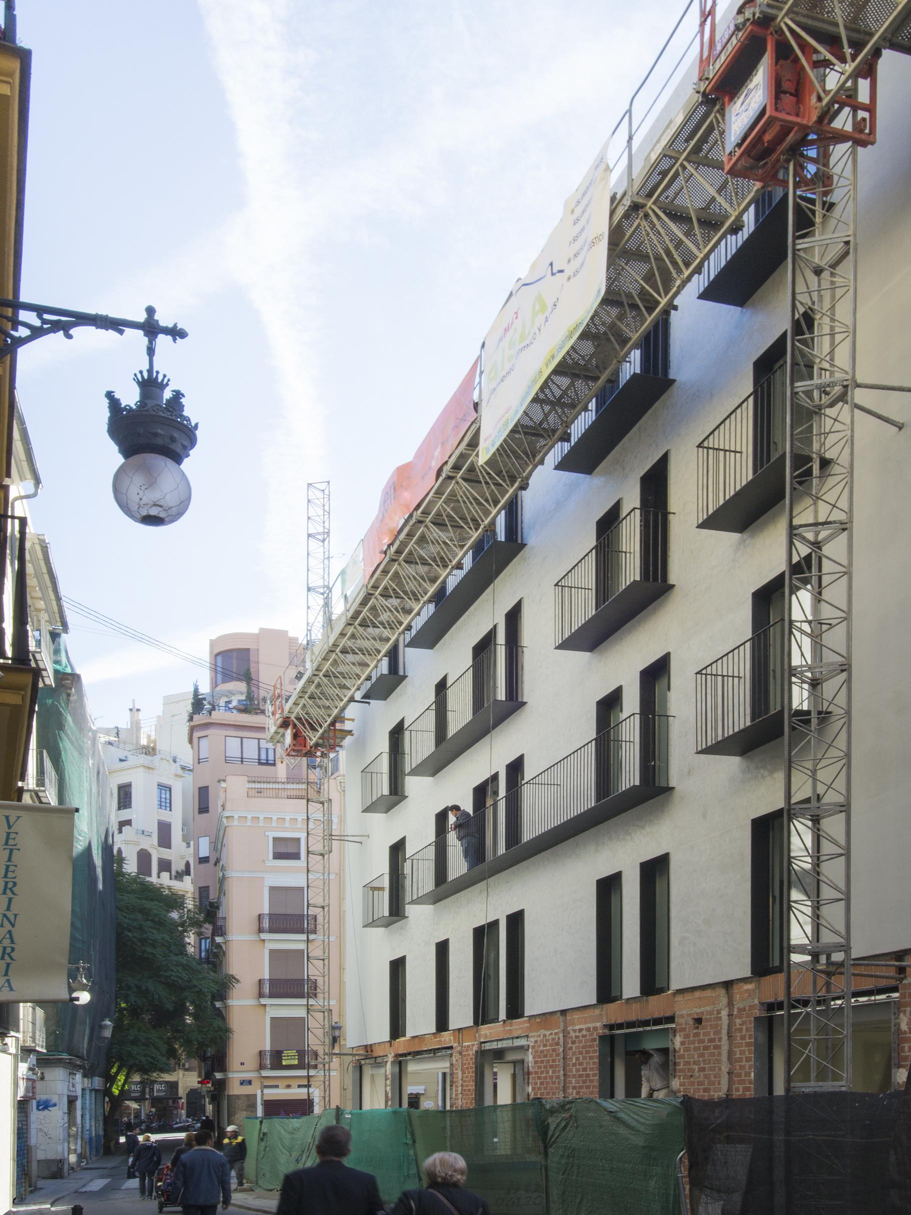 PV_EXT_M_along-street-construction_3x4_2500px_72DPI.jpg