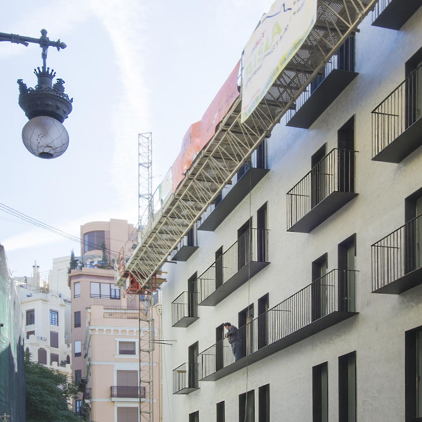 PV_EXT_M_along-street-construction_cropped_1x1_1900px_72DPI.jpg