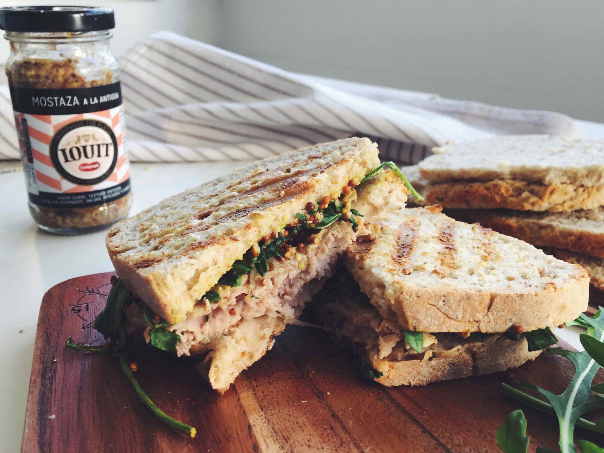 sandwich mostaza roastbeef