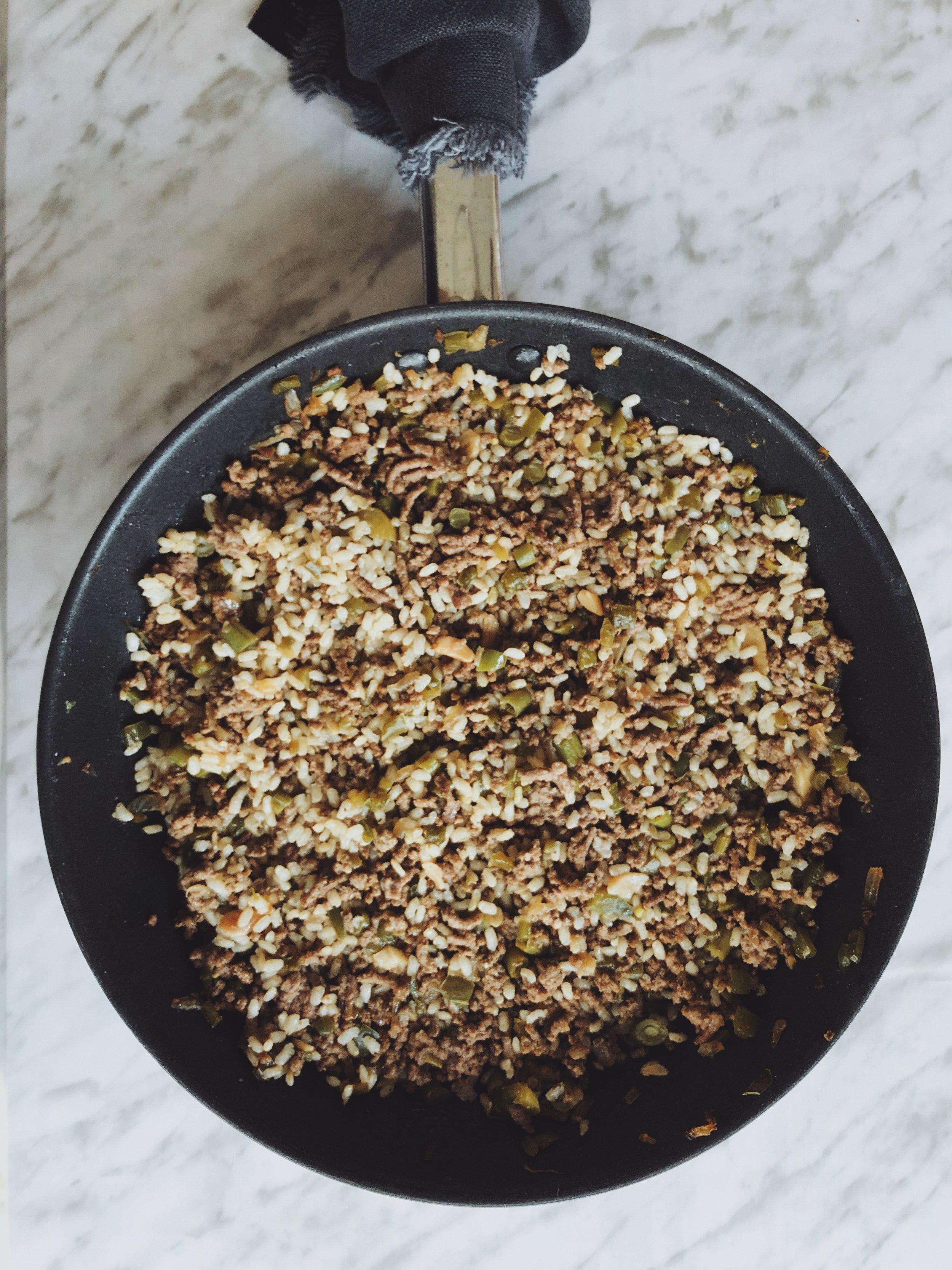 arroz con verduras y carne picada
