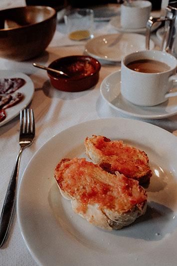 El desayuno no tiene desperdicio. Os lo prometo.