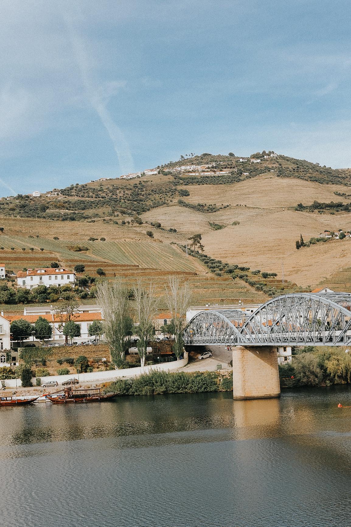 Pinhão desde el otro lado del puente