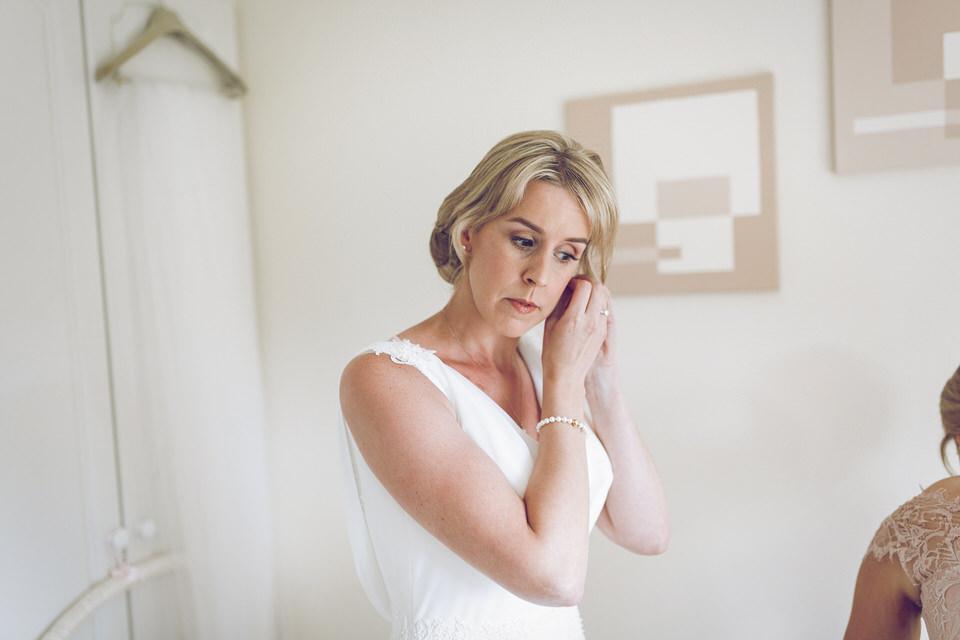 Elaine-Damien-Wedding-Farnham-Photographer009.jpg
