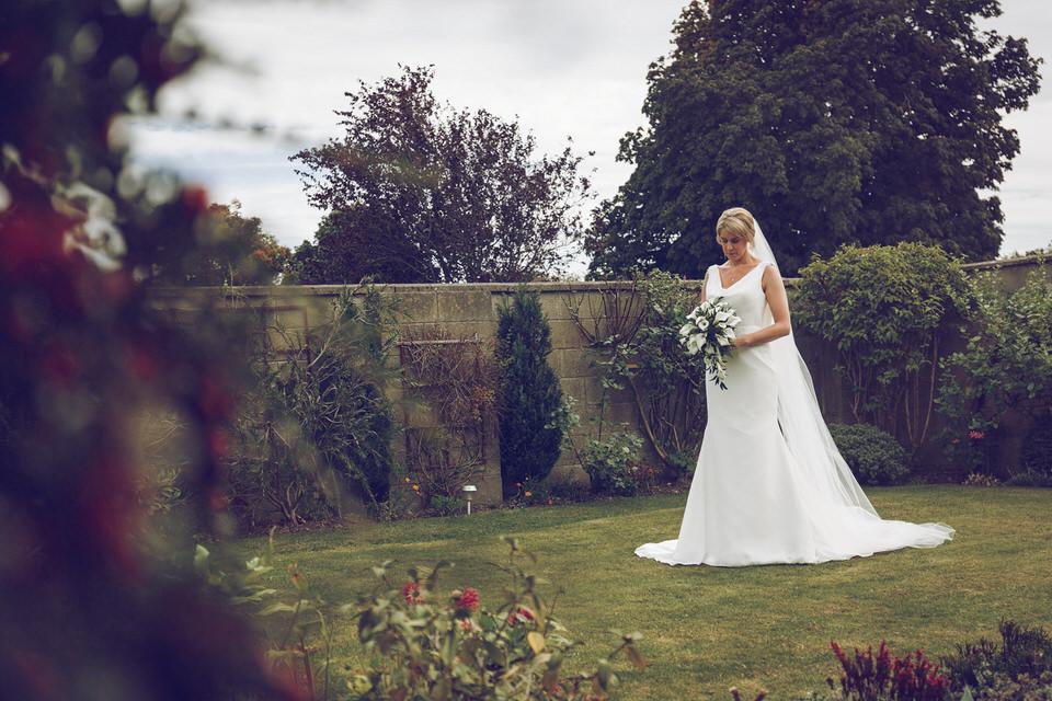 Elaine-Damien-Wedding-Farnham-Photographer016.jpg