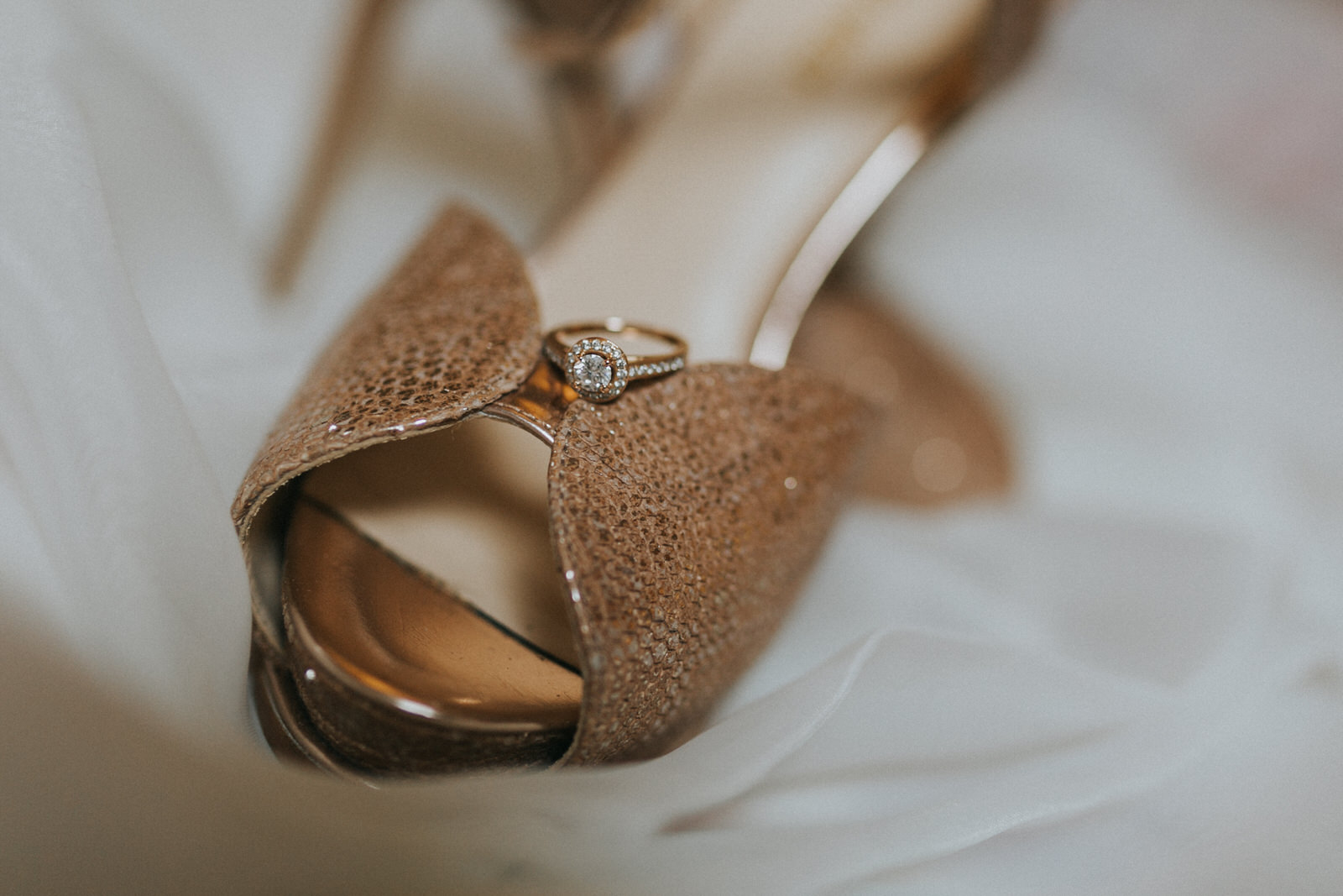 Clonabreany_wedding-photographer_roger_kenny_ireland_004.jpg