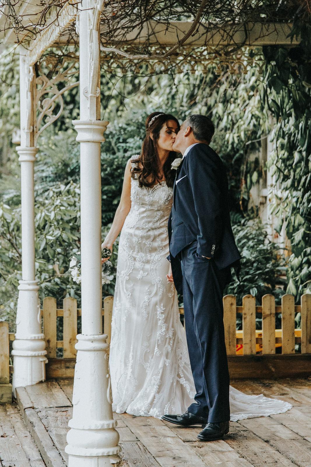 Roger_Kenny_wedding_photographer_Brooklodge__682.jpg