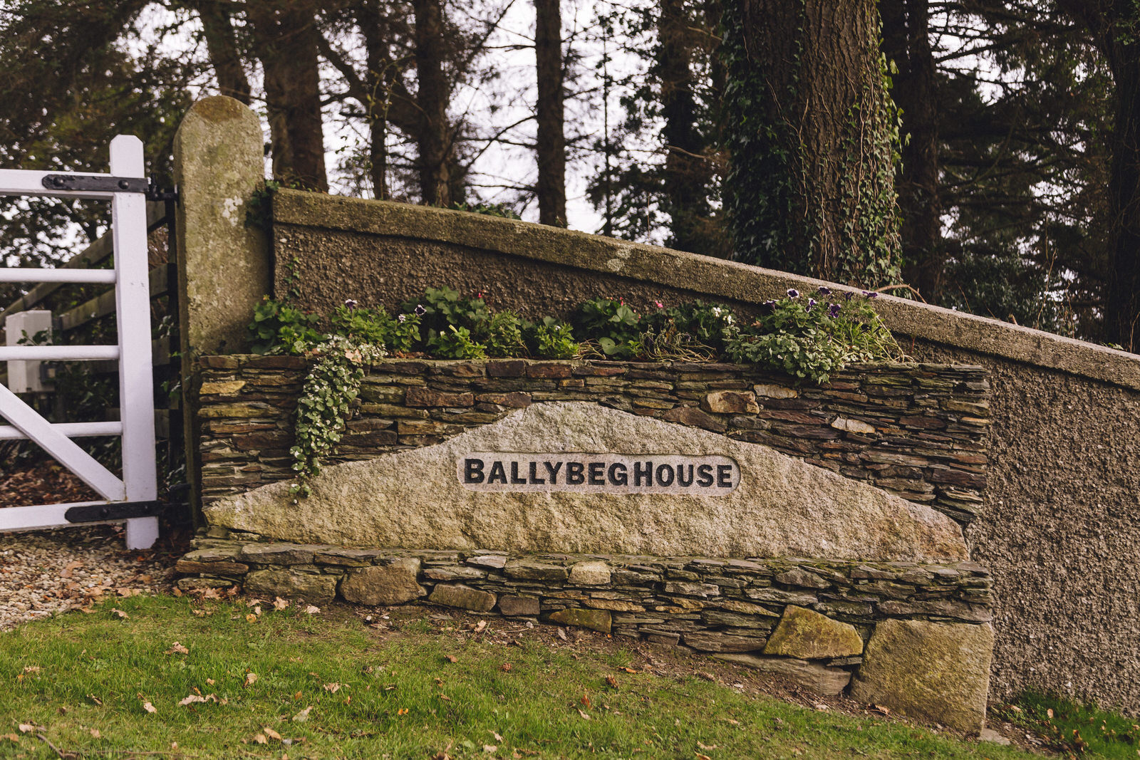 Balybeg-house-ireland-wicklow-wedding-photographer-roger-kenny_greystones001.jpg