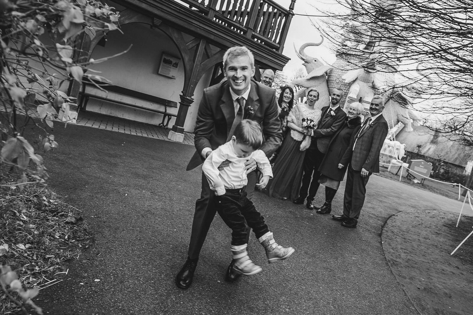 Roger_kenny-wedding-photographer-wicklow-dublin-zoo_053.jpg
