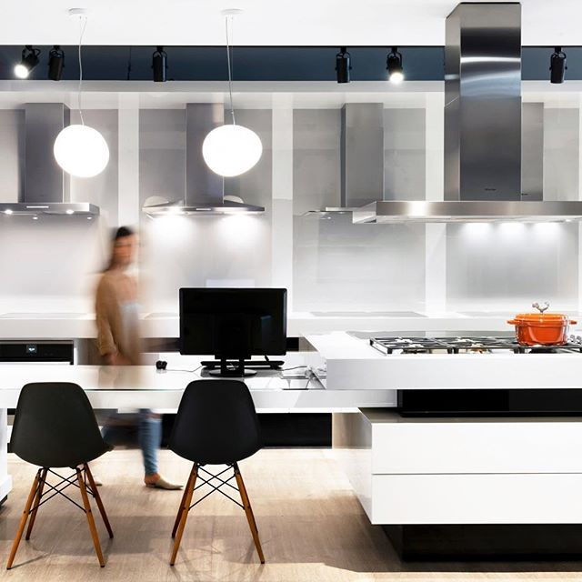 Just finished gathering all the tax info I need to pass onto my accountant before the deadline tomorrow 😅😅😅. My accountant's name is Spencer, and all I can say is:  Spence. Bless your soul. You are the real MVP. 🥇🏆👏 🙌  Photo of the @miele_com showroom, designed by @kasiandesign