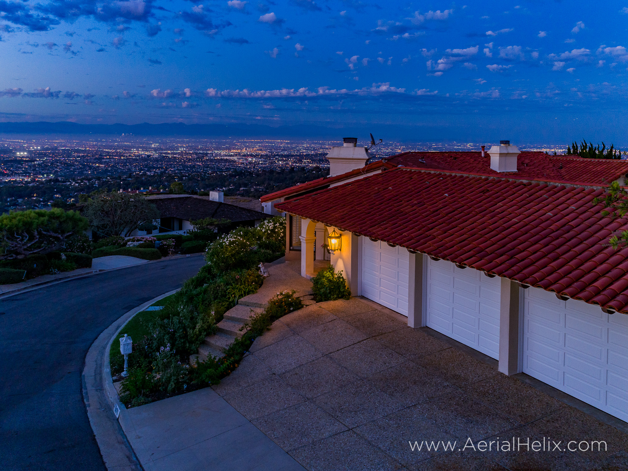 Woodfern Drive - HELIX Real Estate Aerial Photographer-34.jpg