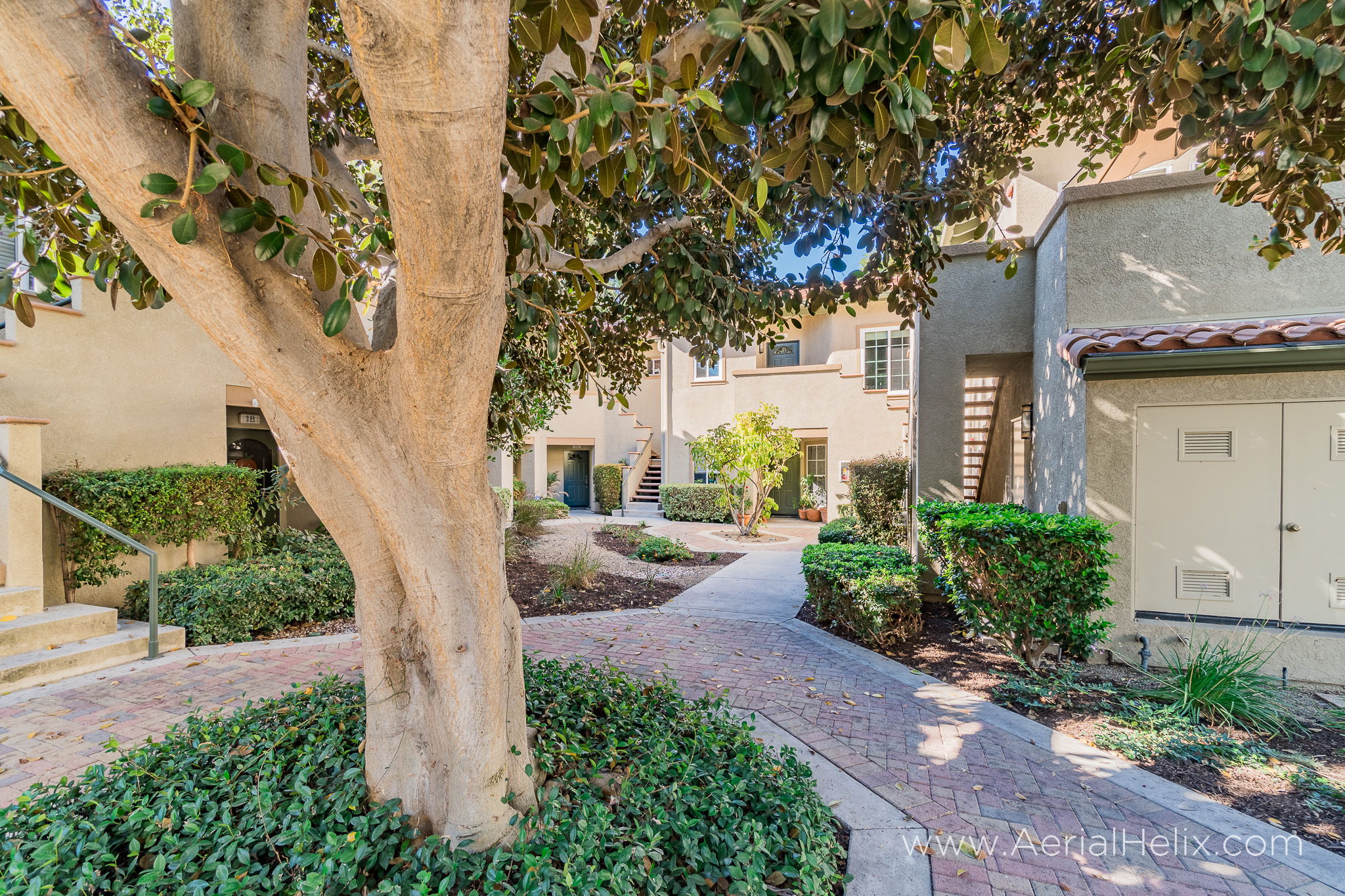 Via Solaz - Real Estate Photographer-20.jpg
