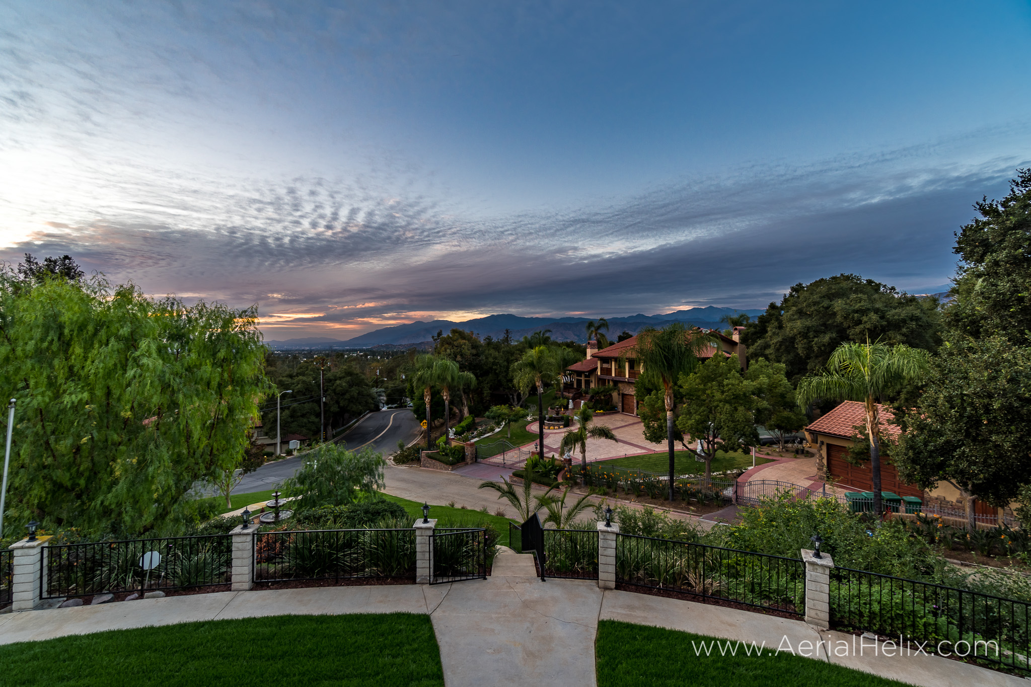 Walnut Ave Twilight - Real estate photographer-2.jpg