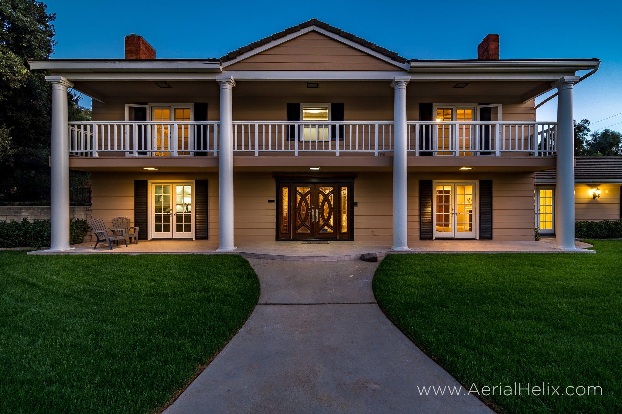 Walnut Ave Twilight - Real estate photographer-6.jpg