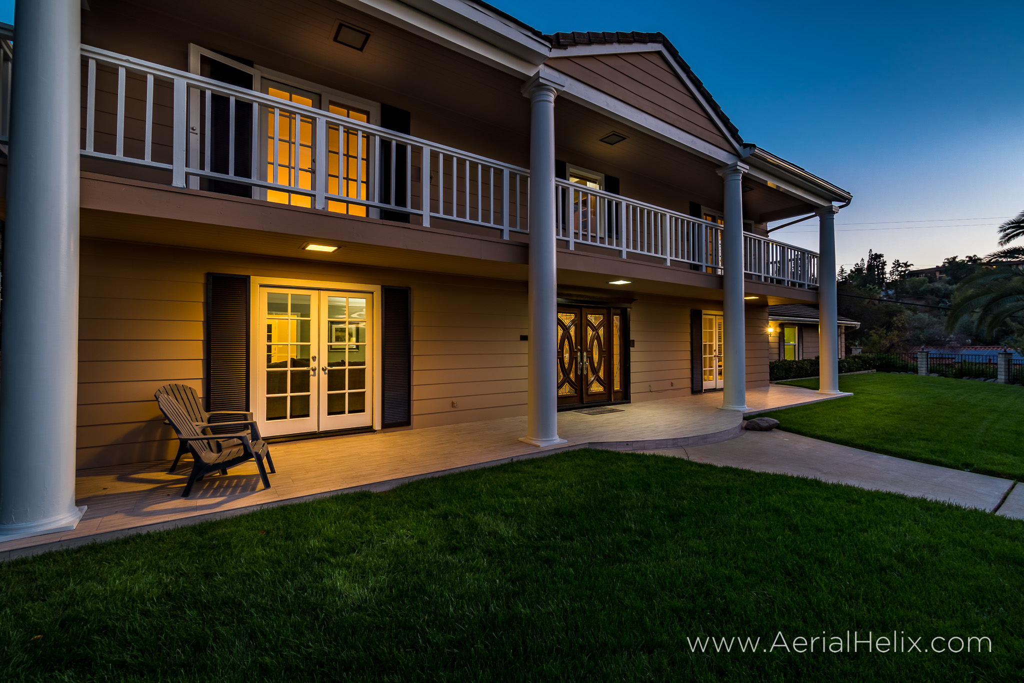 Walnut Ave Twilight - Real estate photographer-7.jpg