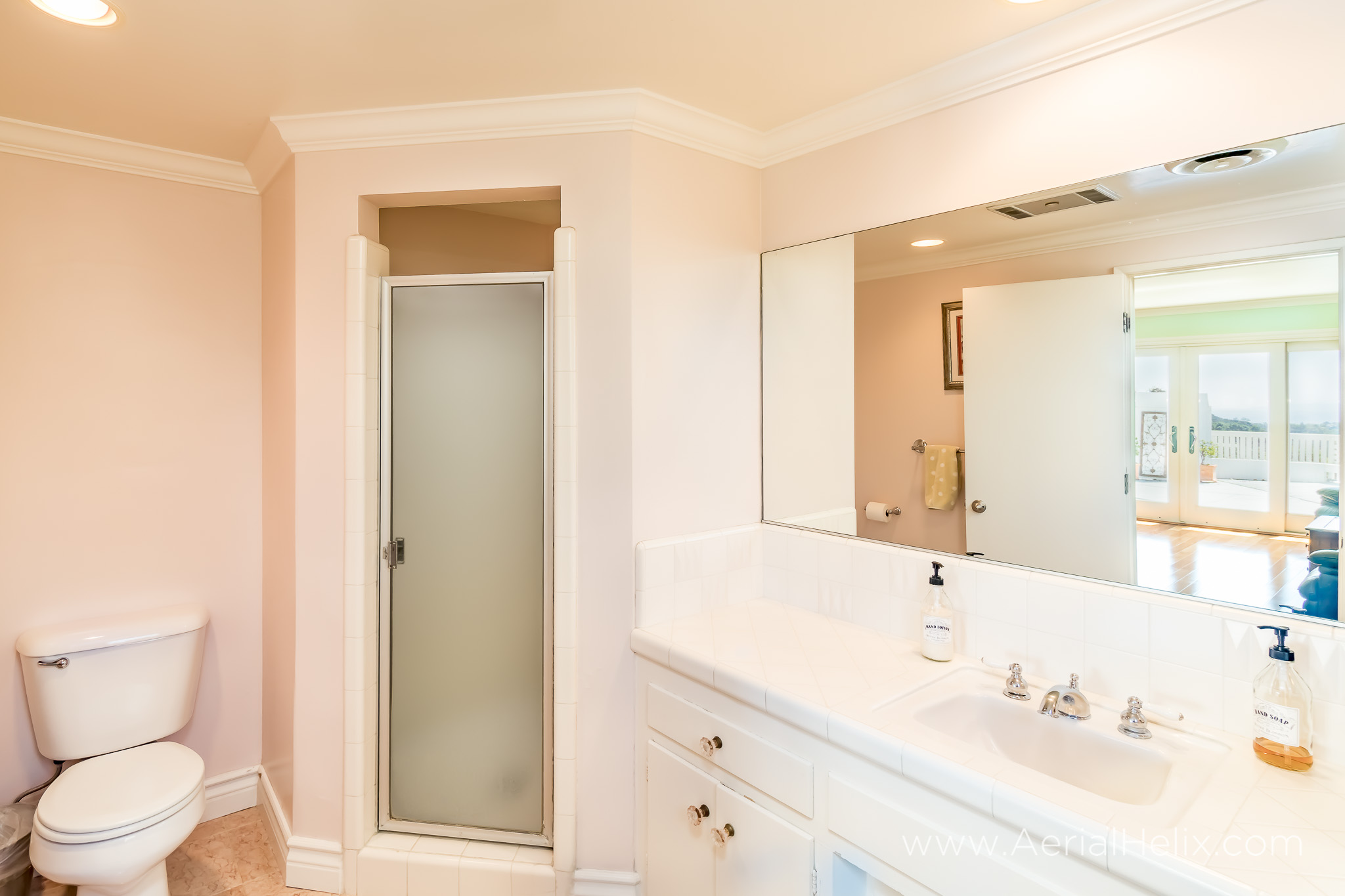 Mullholland Drive - HELIX Real Estate Photographer-29.jpg