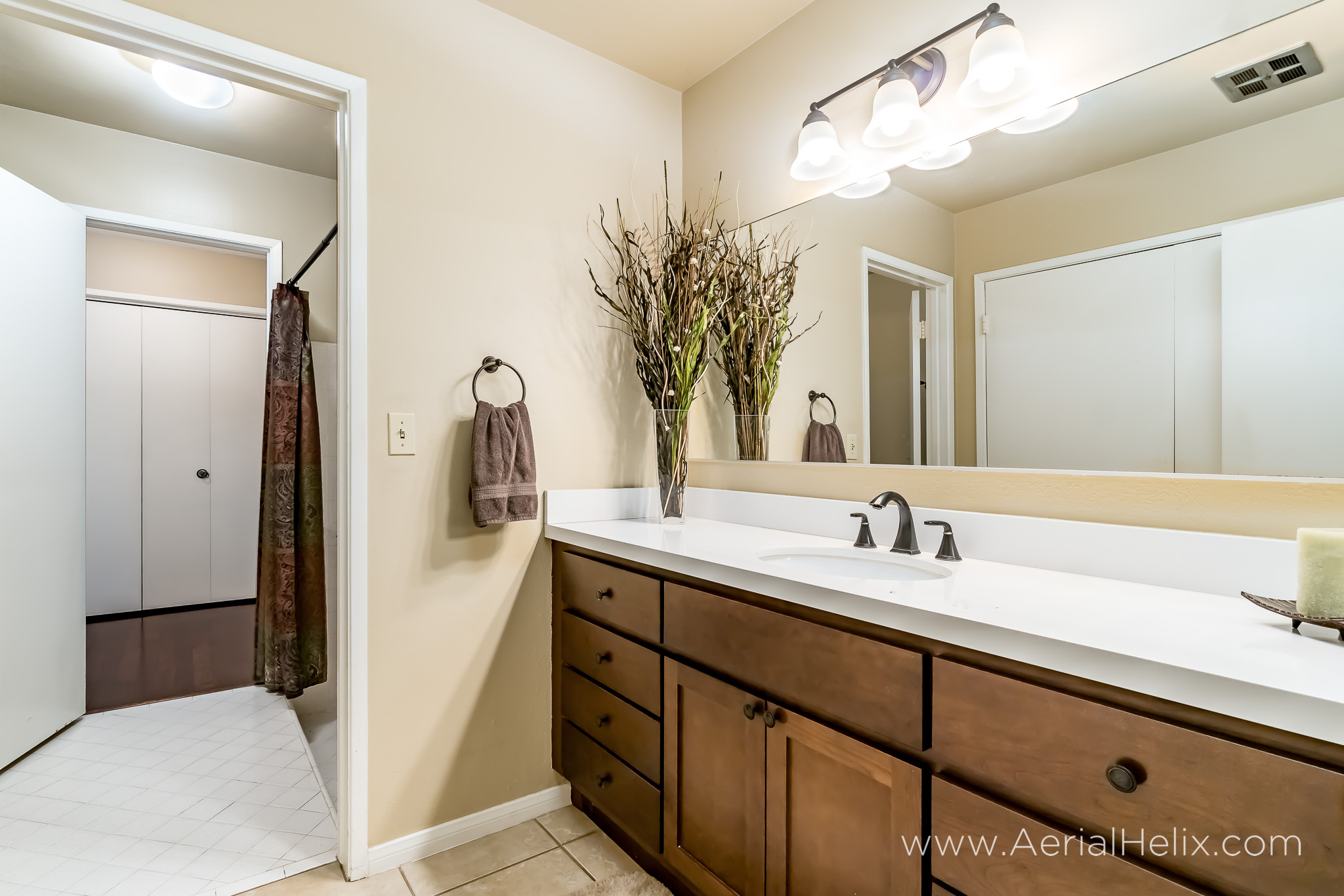 Briarwood St real estate photographer-16.jpg