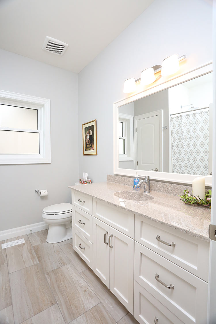 bathroom_7214.jpg