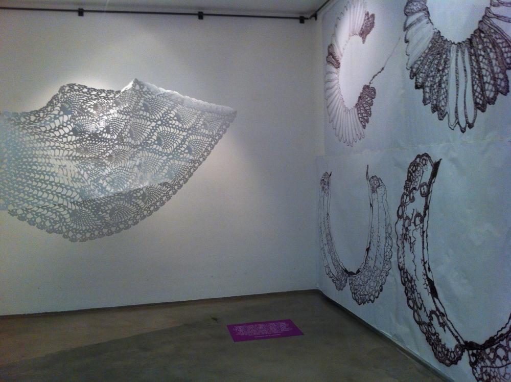 Lo Strappo della Storia, Conversazione con Merletti/History's Pull: Conversations With Lace  (2013)
