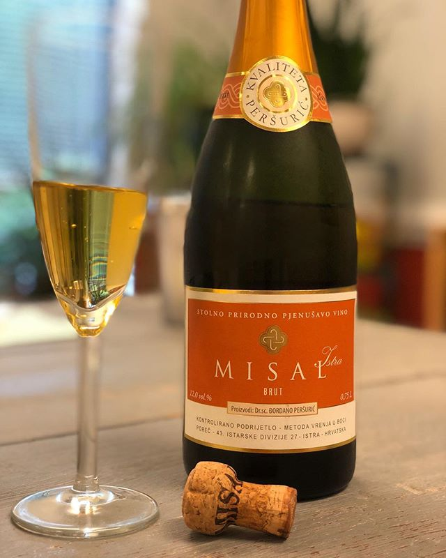 100% sparkling Malvazija from Istria! @sparkling_wines_misal is one of the biggest producers of bubbles in Croatia, and they've got a bottle for every occasion. We're excited to introduce these wines to the US market! 🇭🇷 🥂 . . . . . #croatianwine #sparklingwine #bubbly #winelover #wineporn #wine🍷 #winegeek #istria #istrianwine #misalwinery #cheers #oenophile #wineoclock #winetime #winetasting