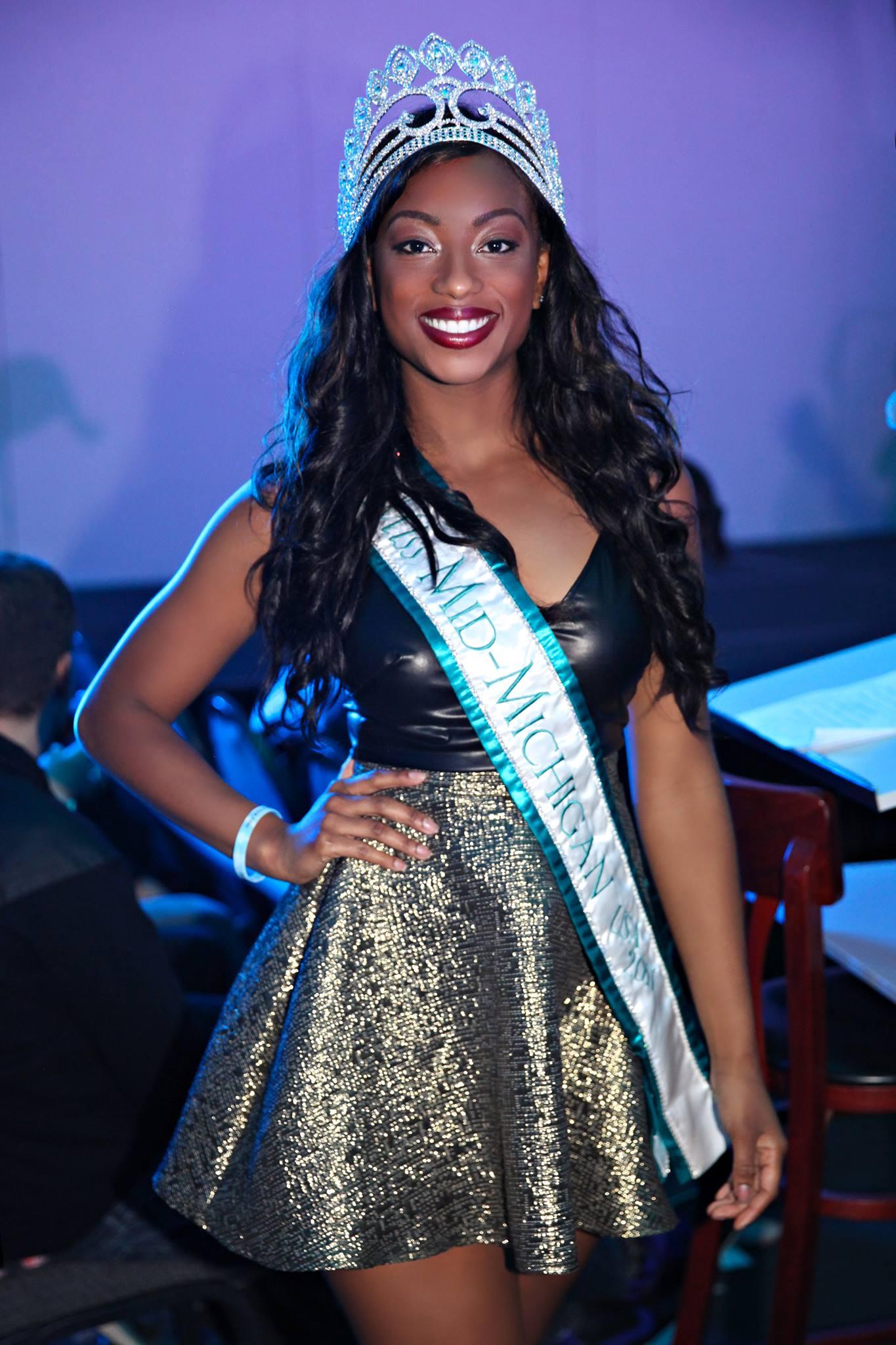 Hosting Toledo Fashion Week as Miss Mid-Michigan USA 2017