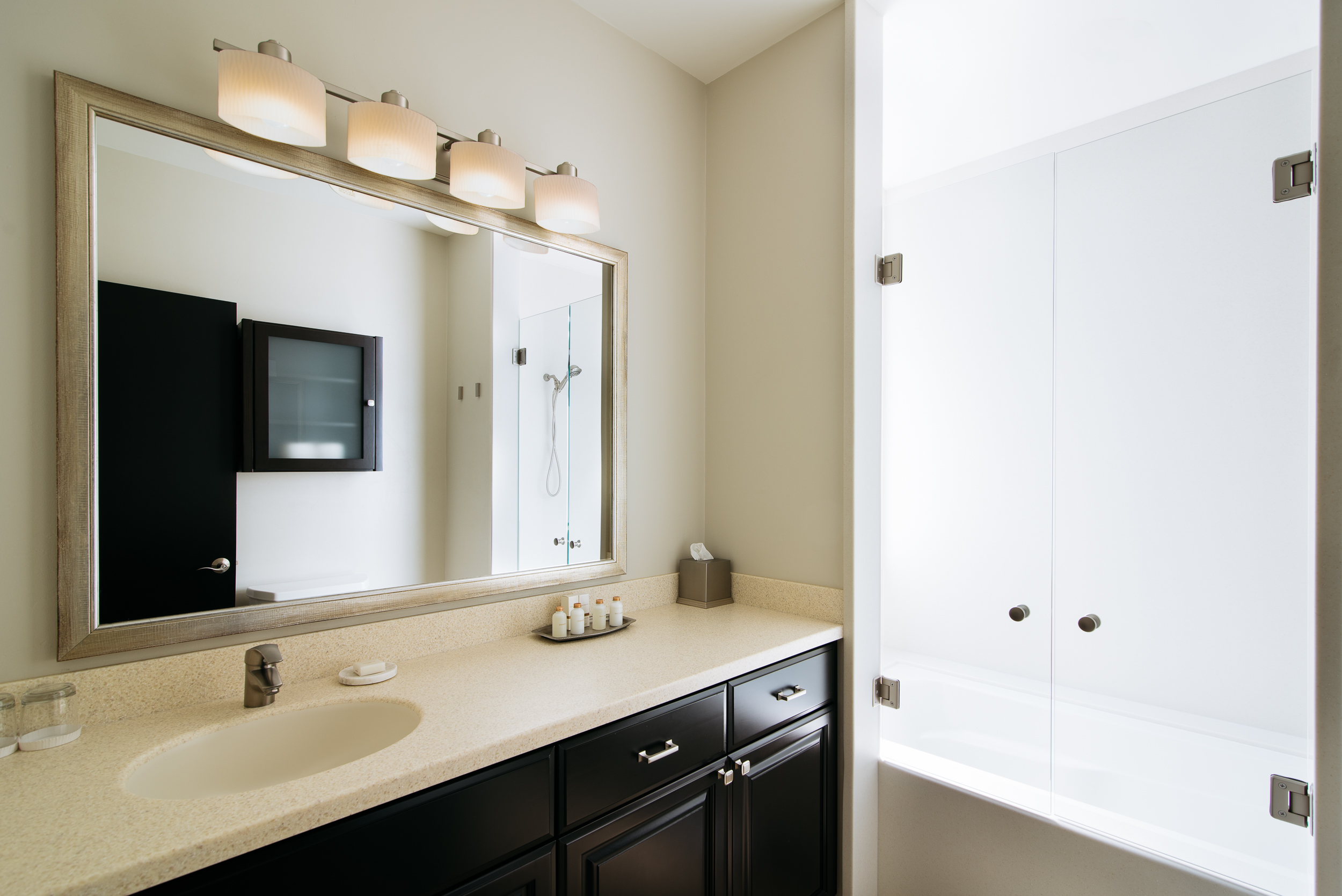 Two Thirty-Five | Plaza Suite bathroom
