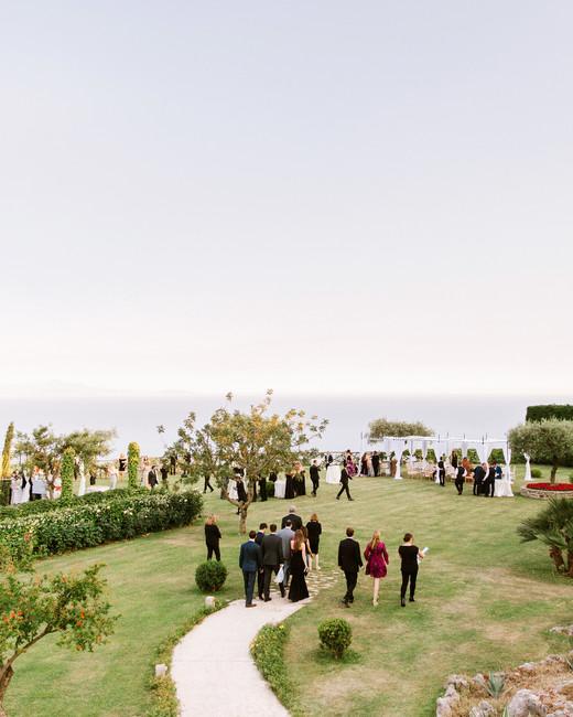 lisa-greg-italy-wedding-cocktailhour-103312989_vert.jpg
