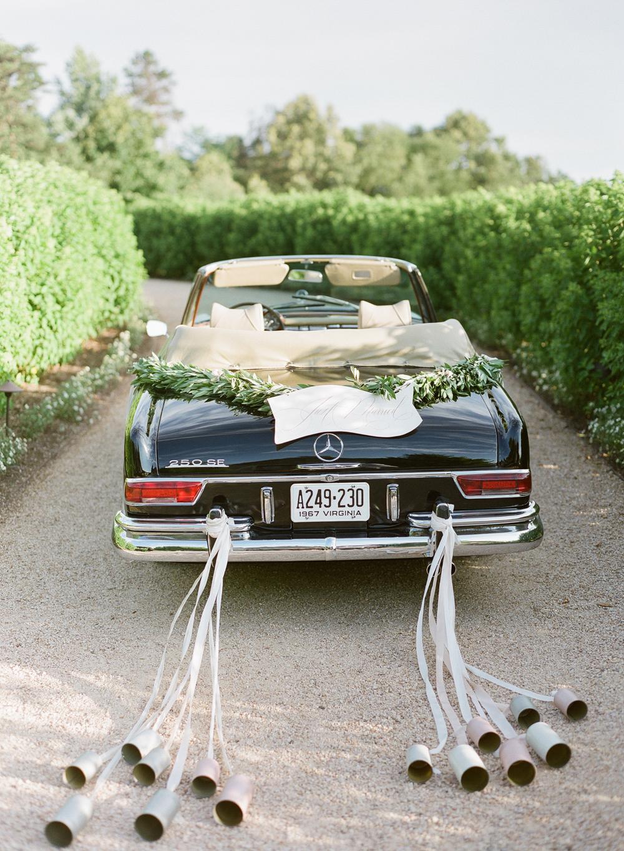 vintage-getaway-car.jpg