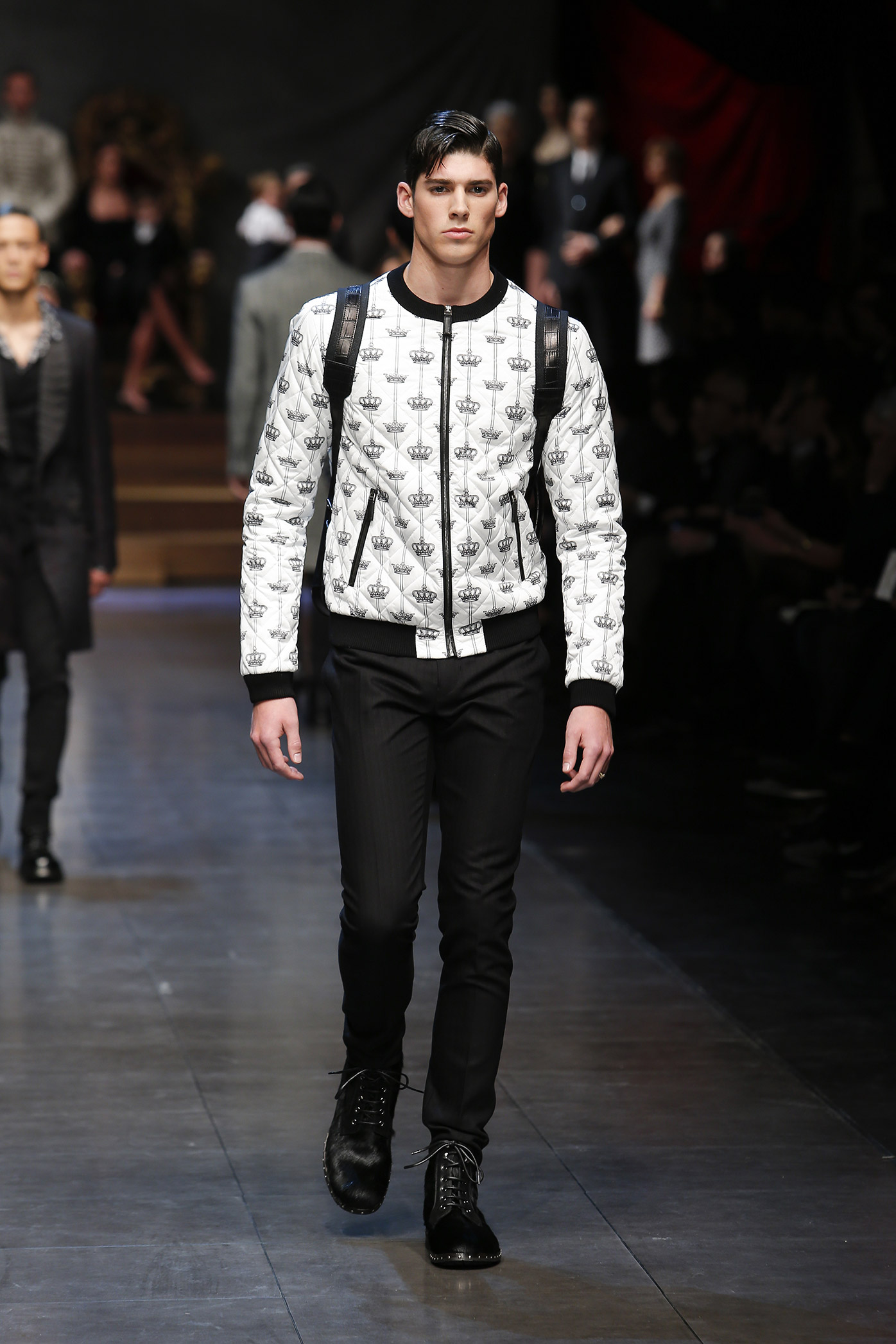 dolce-and-gabbana-winter-2016-men-fashion-show-runway-57-zoom.jpg