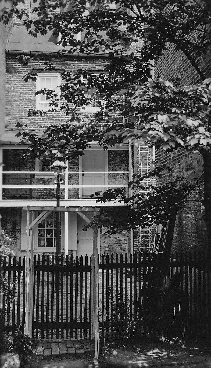 Spinning Porch on Bladen's Court, 1940's