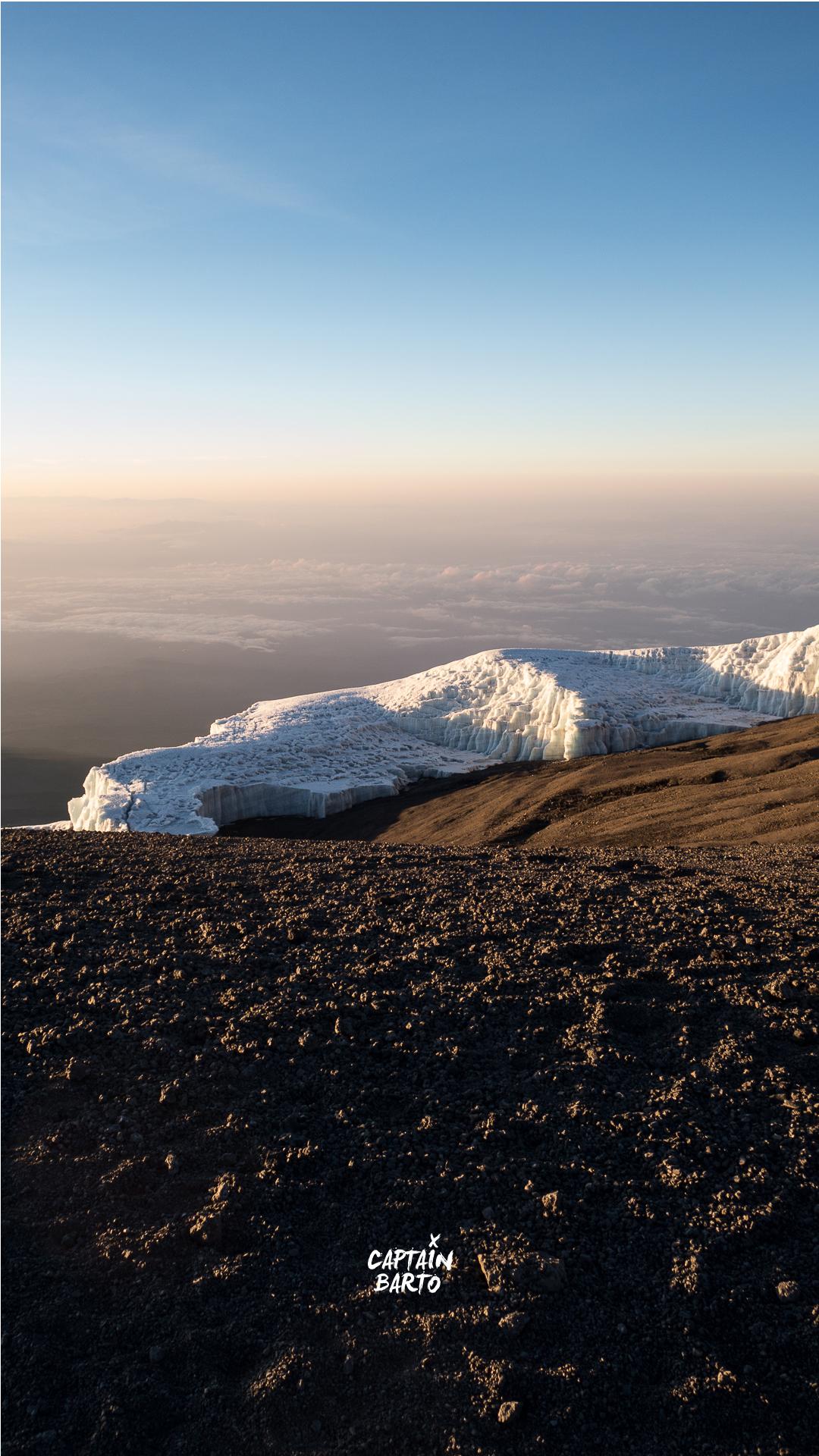captainbarto-blog-wallpaper-climbing-mtkilimanjaro-110817-12.jpg