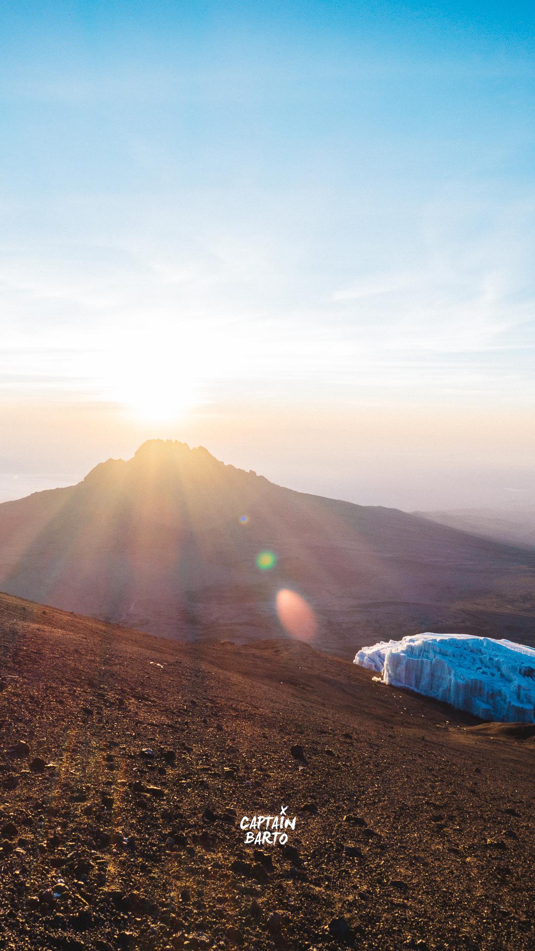 captainbarto-blog-wallpaper-climbing-mtkilimanjaro-110817-11.jpg