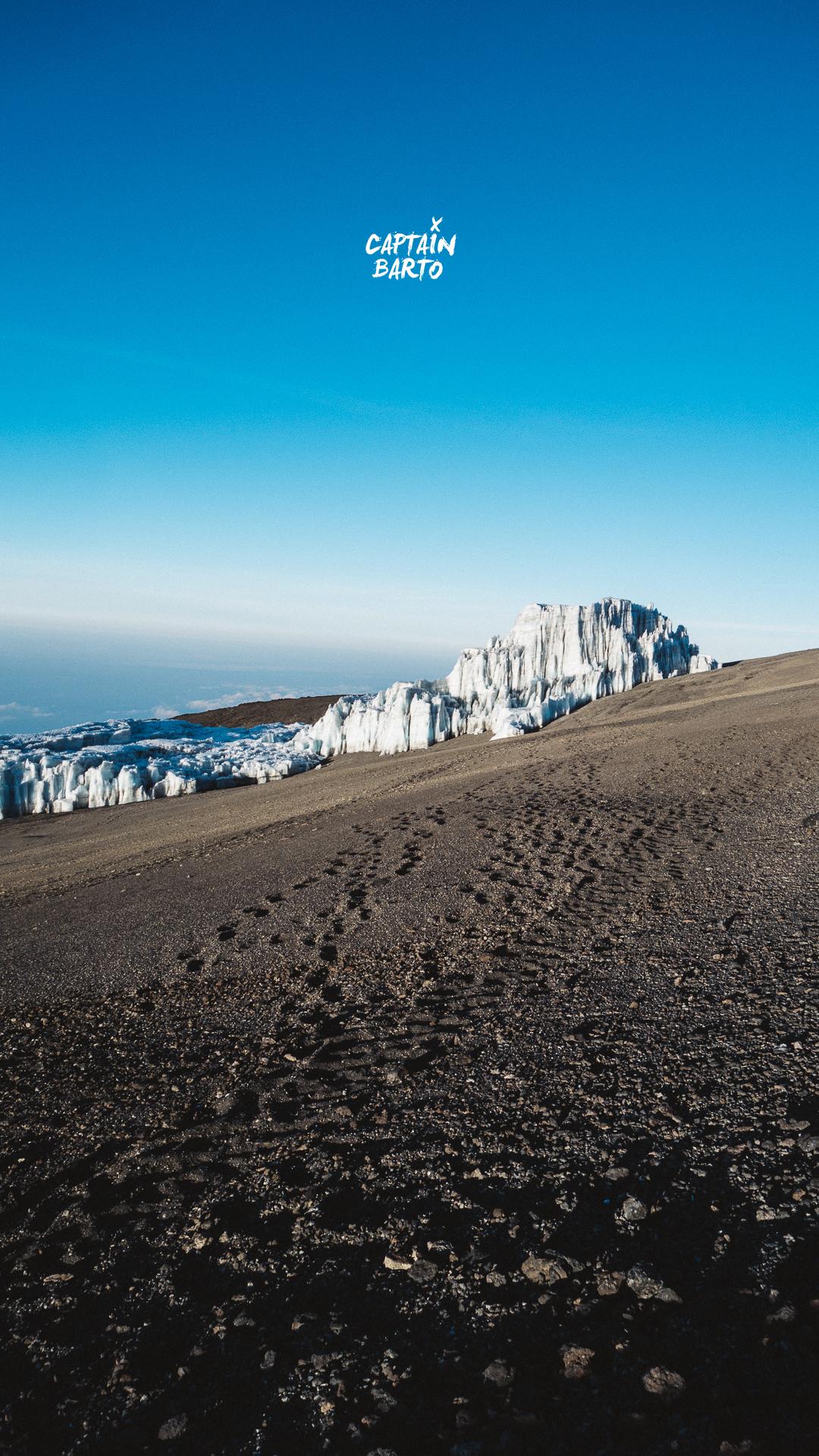 captainbarto-blog-wallpaper-climbing-mtkilimanjaro-110817-13.jpg