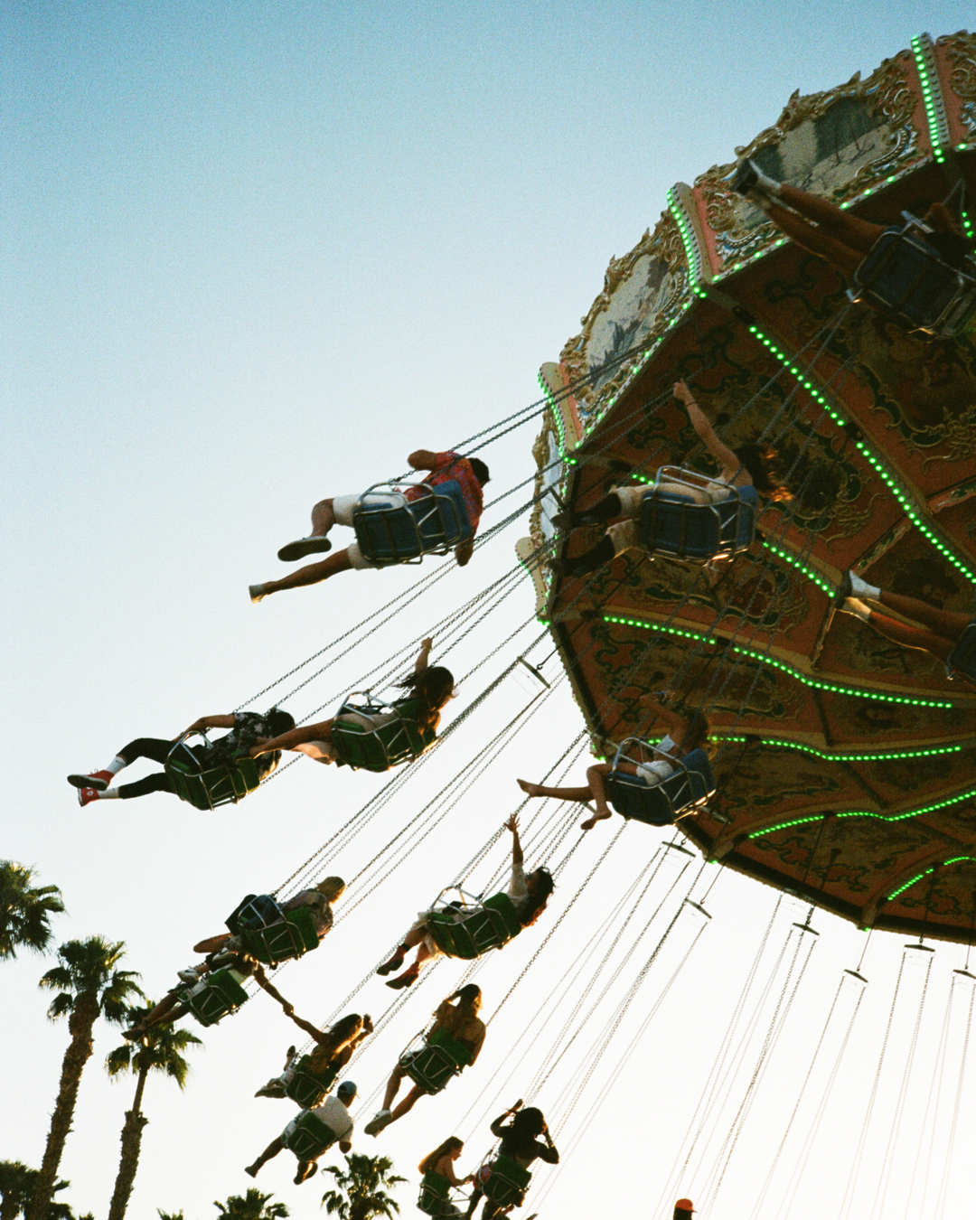 forgottenframes-captainscamera-captainbarto-adambartoshesky-photo-lilaflowers-cariflowers-myleshamilton-coachella-35mm-film-california-music-festival-april-201920190416_8846.jpg