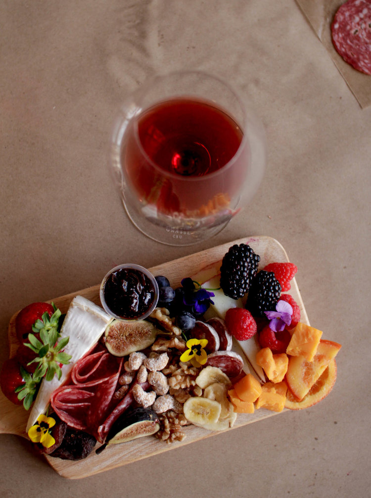 What to include on a cheese, fruit, and charcuterie board