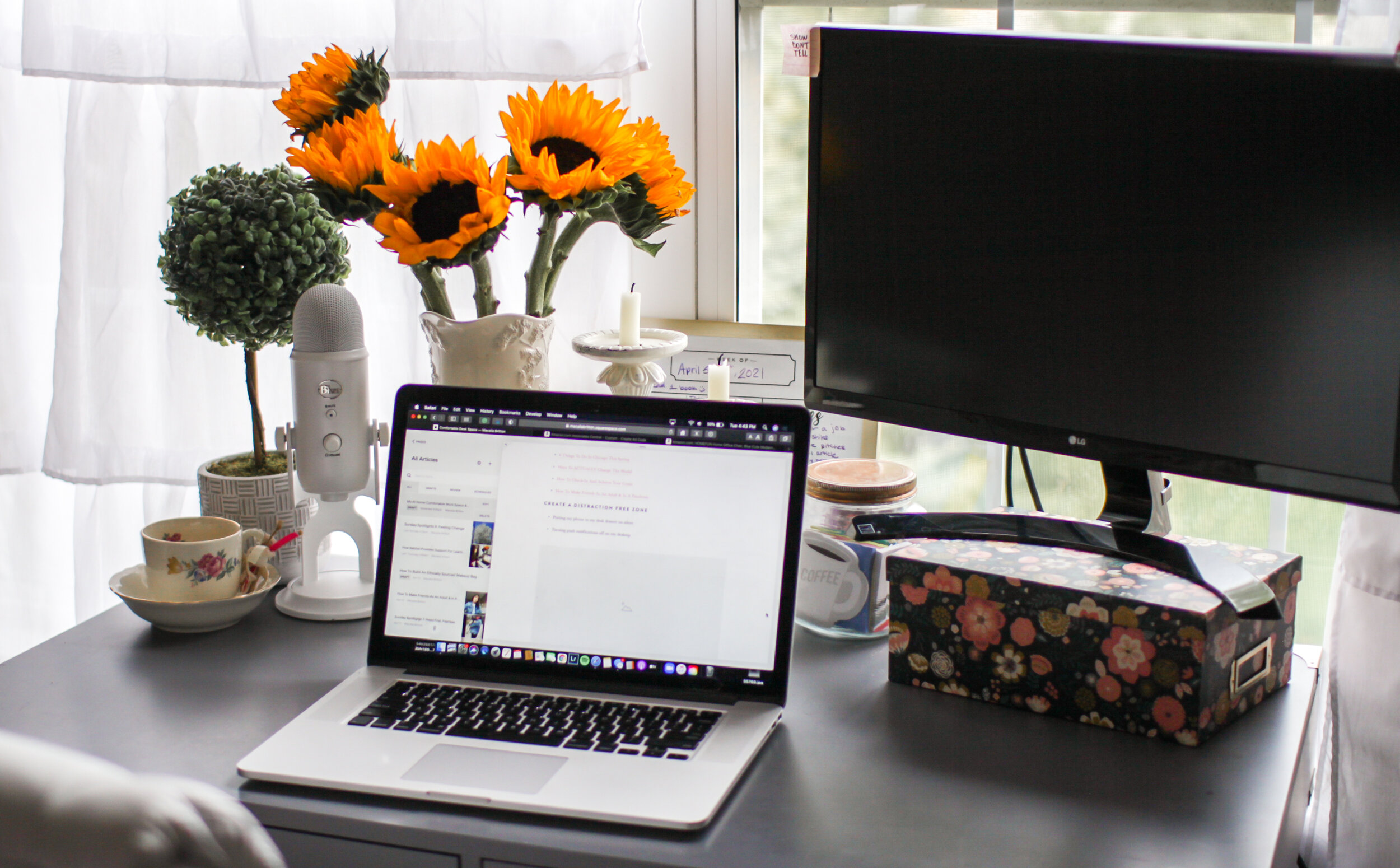 A blogger's work from home office and desk setup