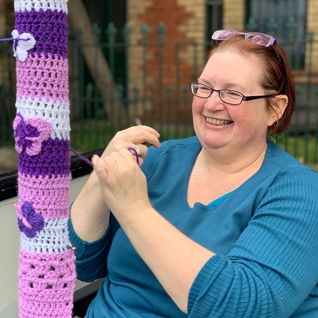 Things we 😍 about Redfern #358: Meeting fellow #villager @queen_babs who yarnbombs the 'hood raising awareness for #fibromyalgia, pretties up the place and generally spreads love. So enjoyed meeting you Jane!