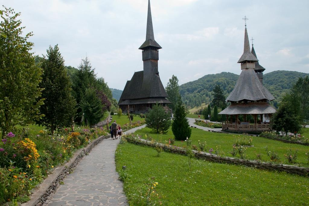 Barsana monastery (copyright:  creative commons )