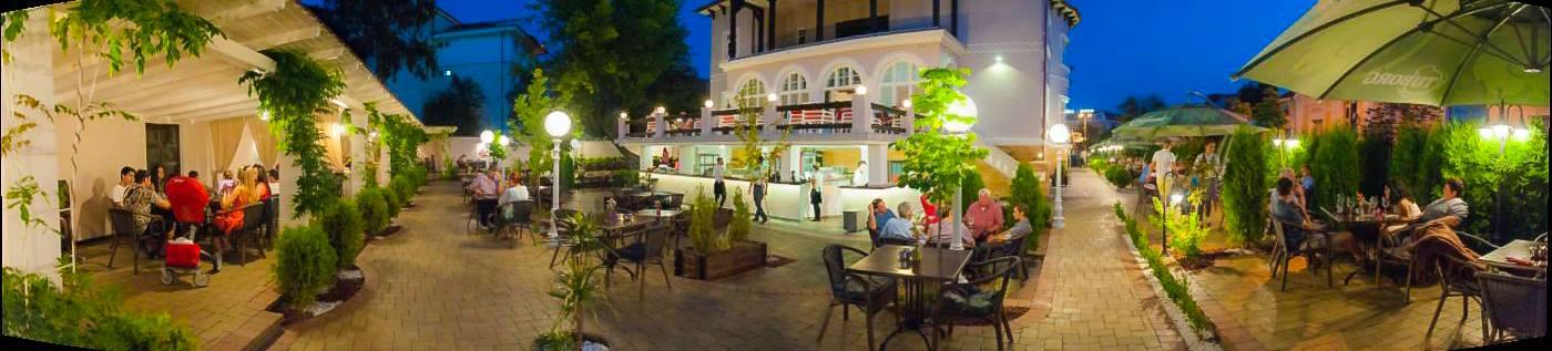 Restaurant & galerie de arta Rapsodia, Bistrita ( image source )