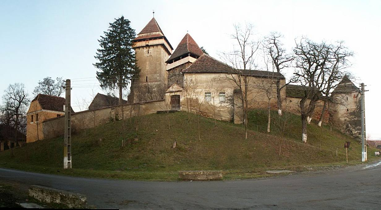 The Fortified Church of Apold (copyright:  creative commons )
