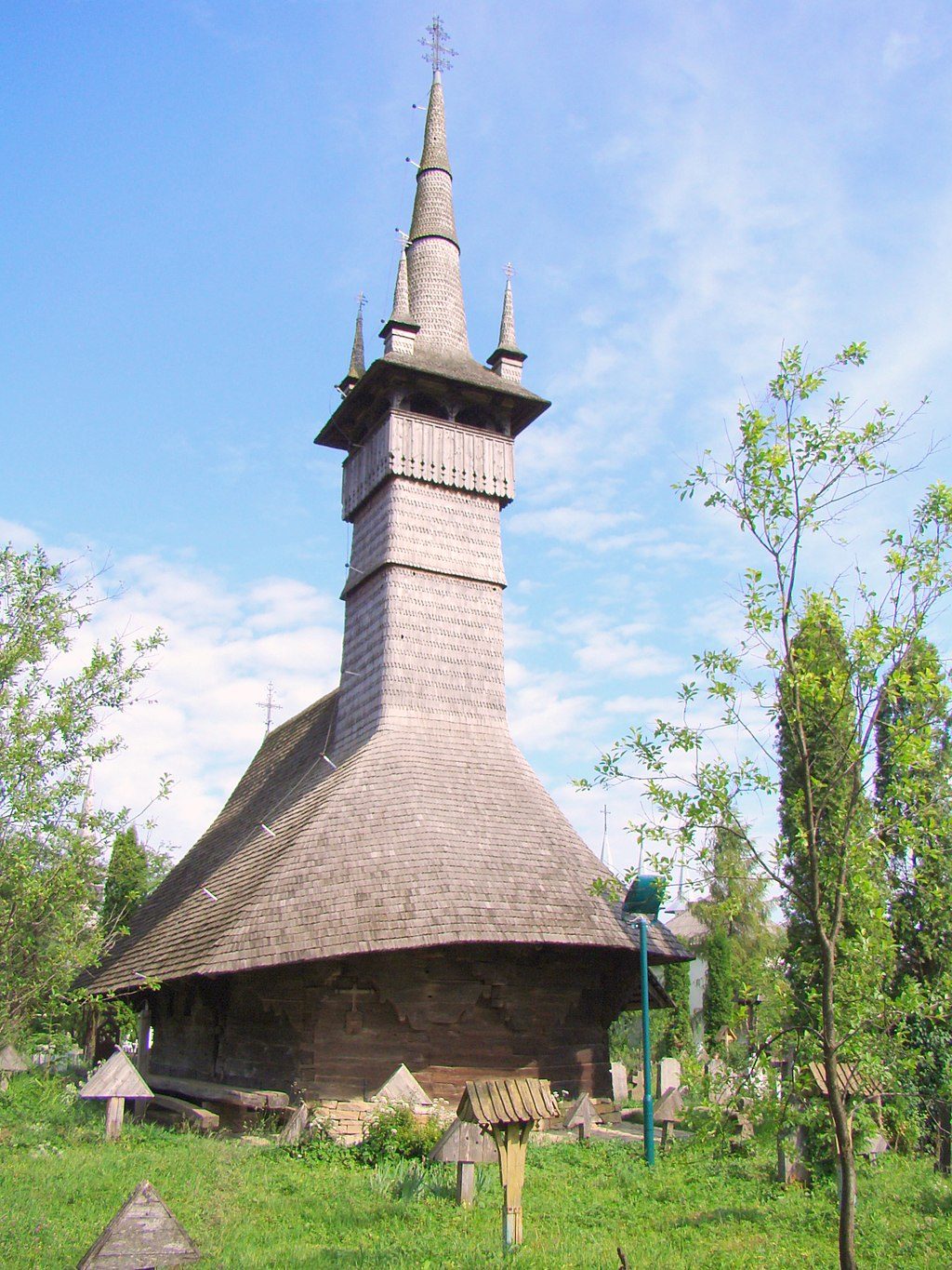 The Wooden Church of Rogoz (copyright:  creative commons )