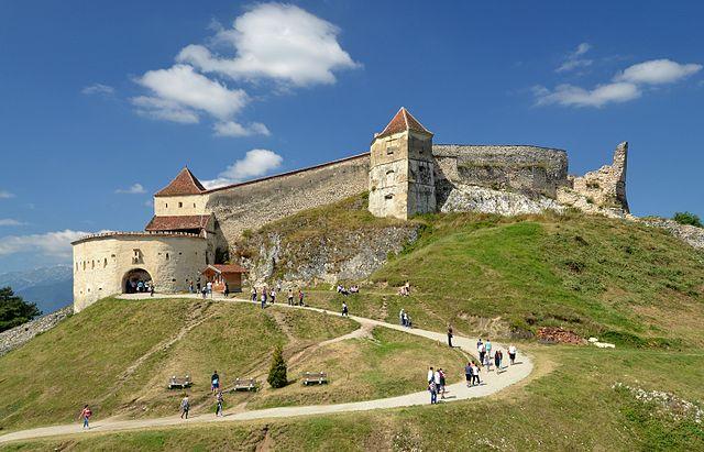 Râşnov_Citadel_(Rosenauer_Burg)_01.jpg