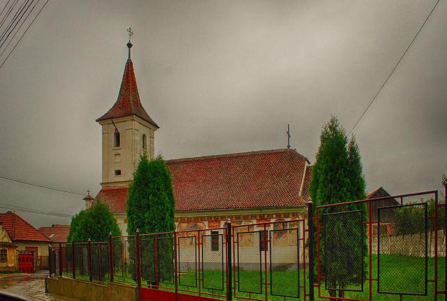 RO_BV_Sanpetru_St_Nicholas_church_1.jpg