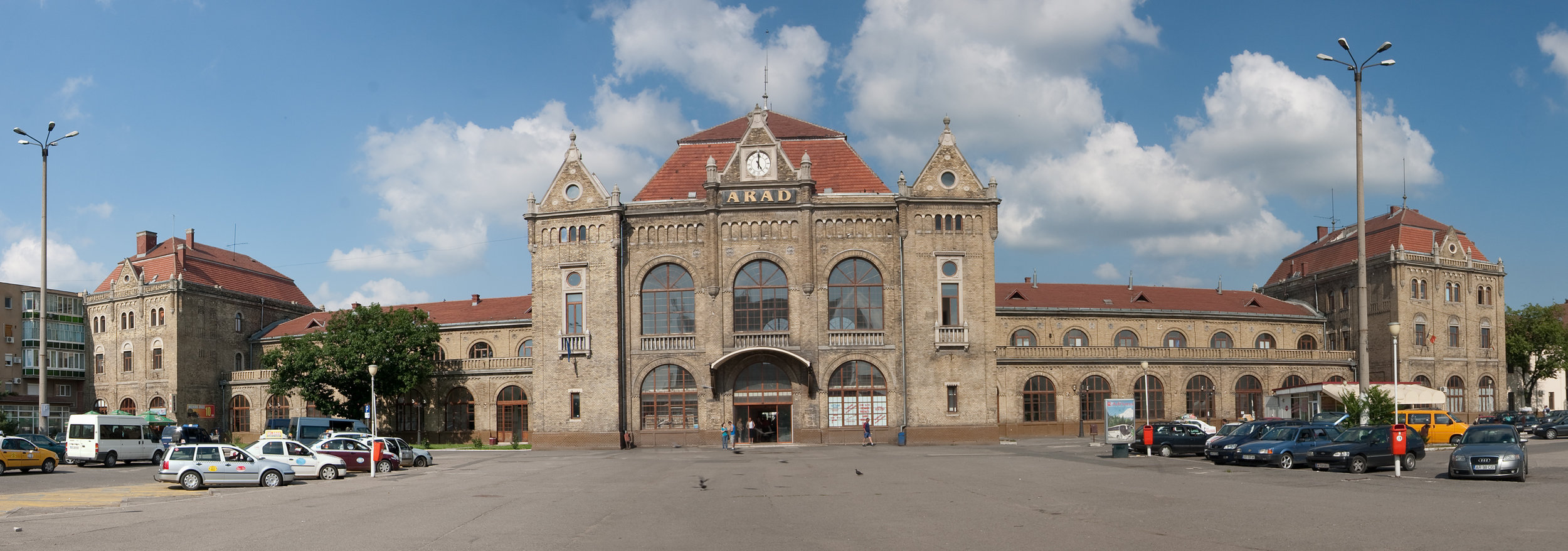 Arad_Bahnhof_3929-33.jpg