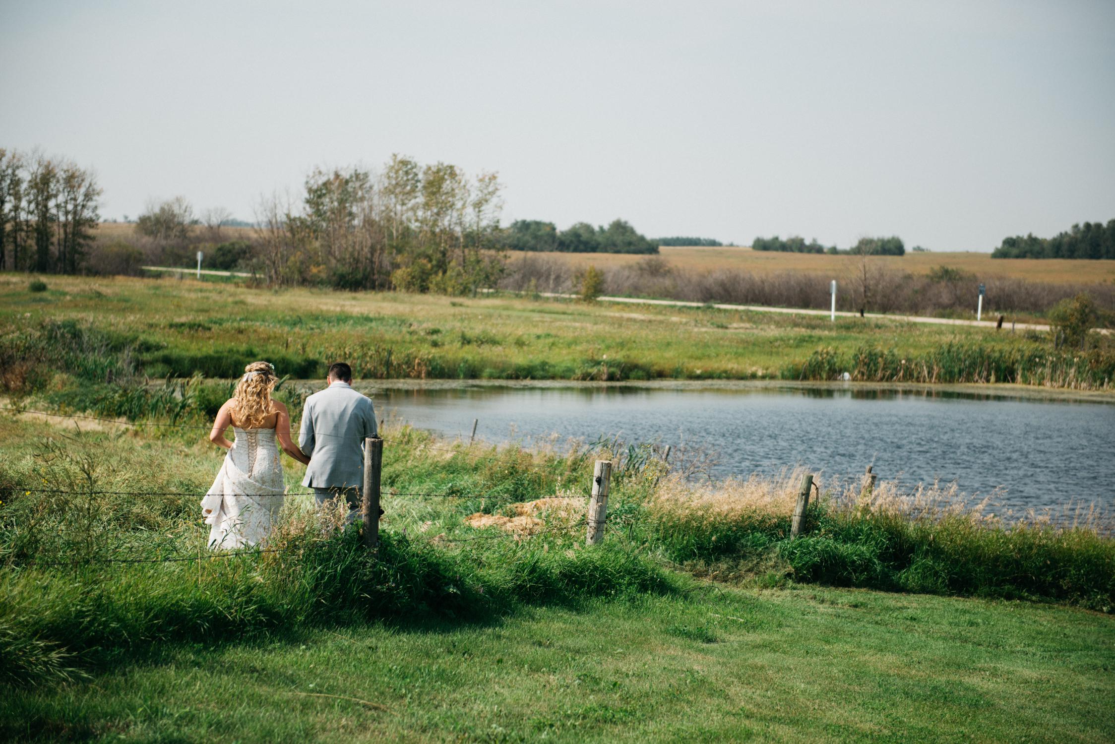 019_saskatoon_saskatchewan_small_town_wedding.jpg