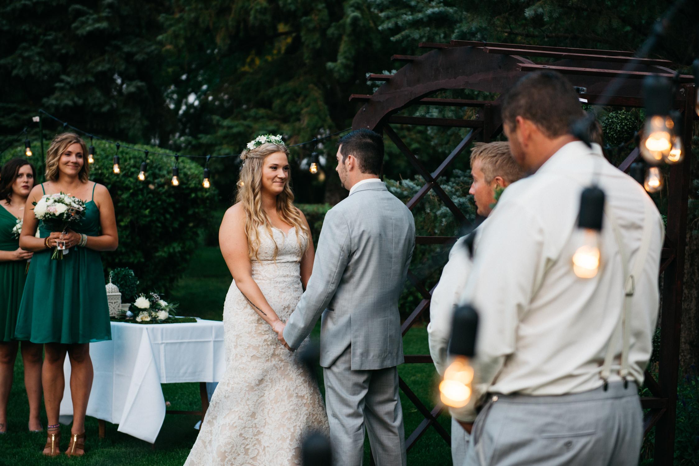 054_saskatoon_saskatchewan_small_town_wedding.jpg