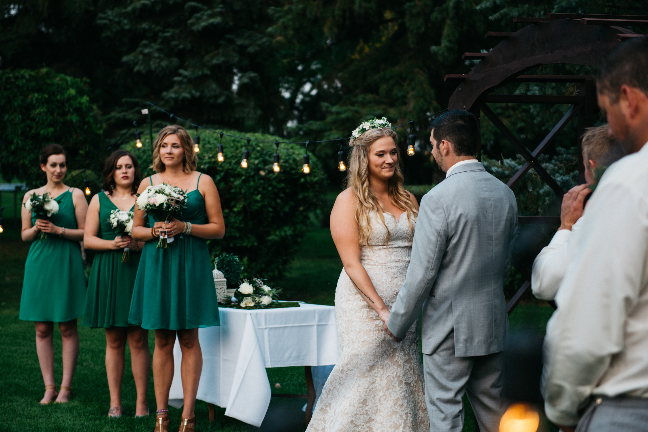 057_saskatoon_saskatchewan_small_town_wedding.jpg