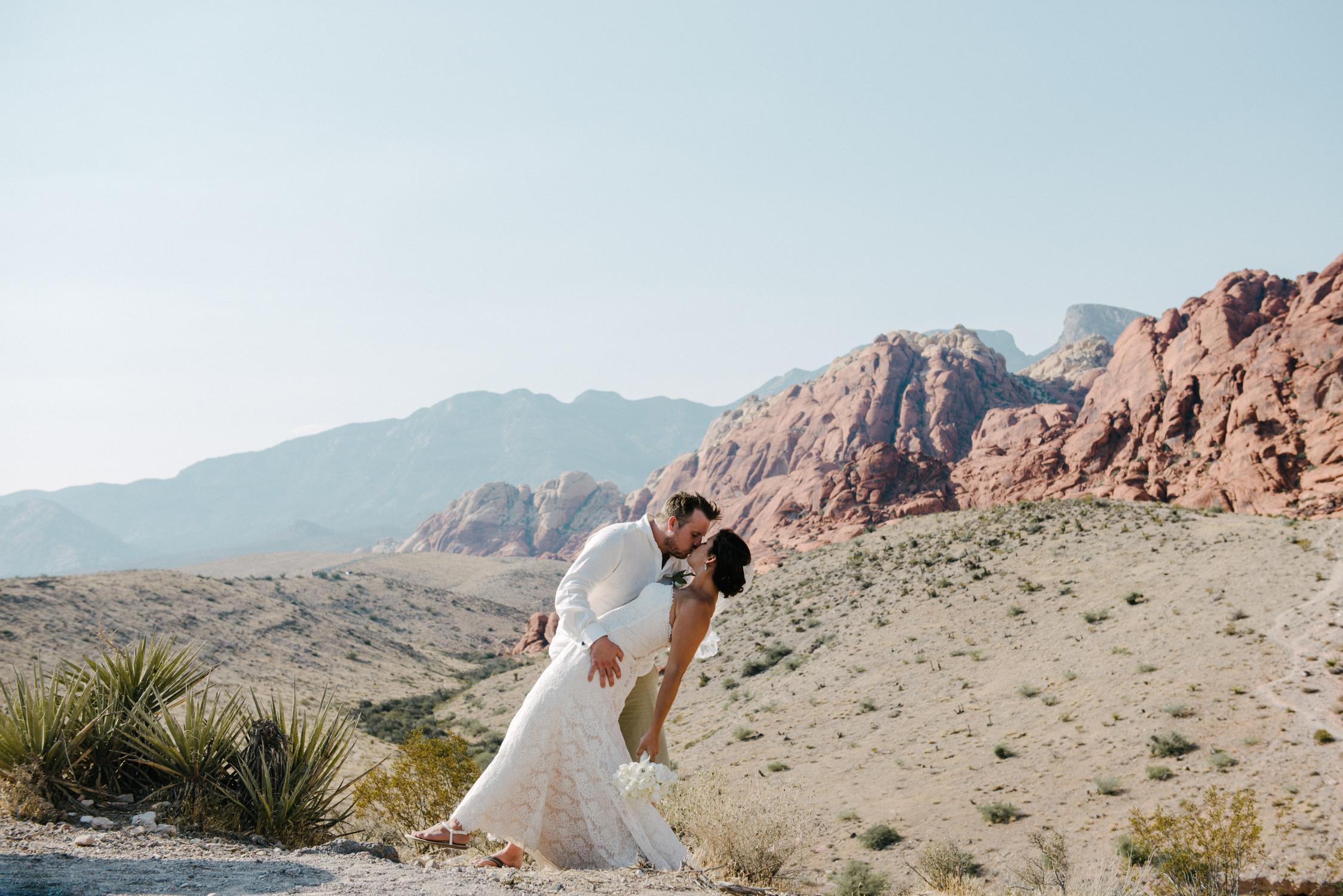 029_Redrock_canyon_vegas_wedding_photographer.jpg